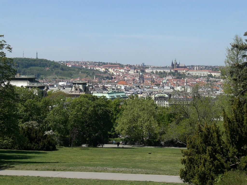Aussicht vom Park auf die Altstadt von Prag