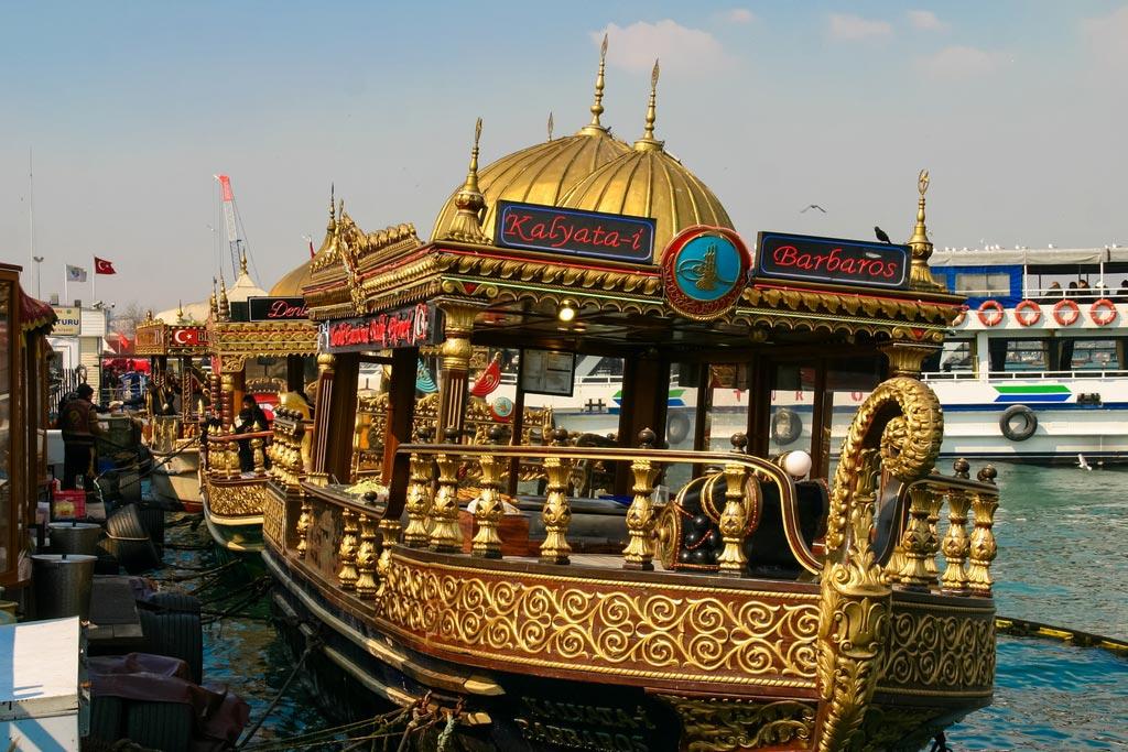 Balik Ekmek Boot in Istanbul