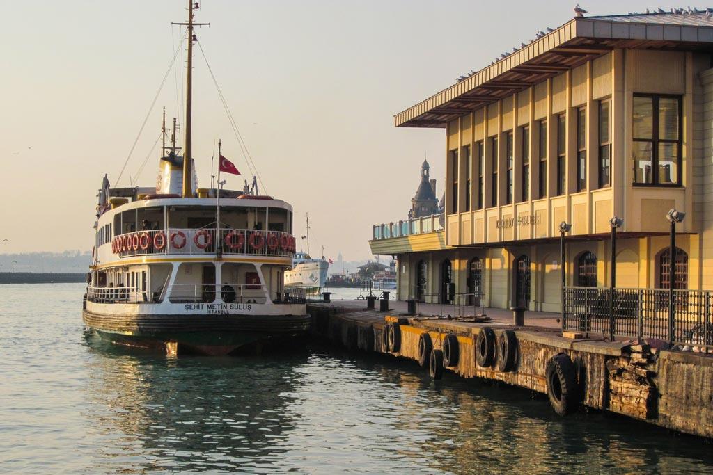 Istanbul_Bosporus_Faehre_Kadiköy
