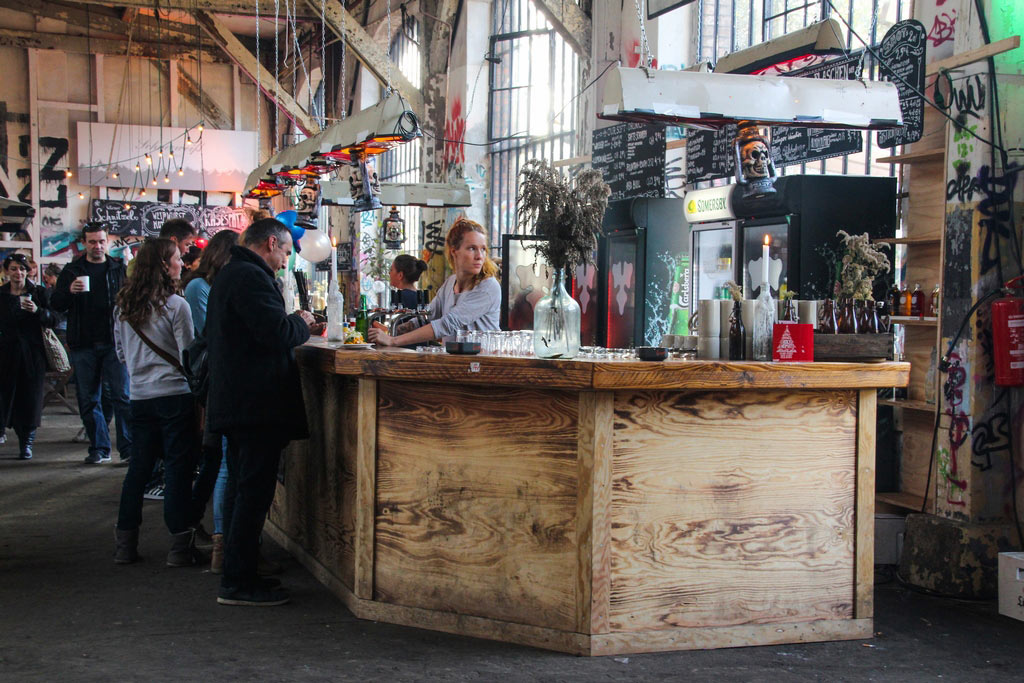 Die Bar in der Neuen Heimat