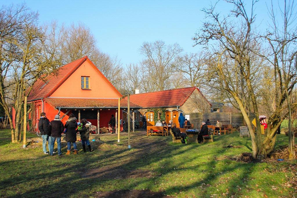 In Flatow, Brandenburg, liegt der Karolinenhof