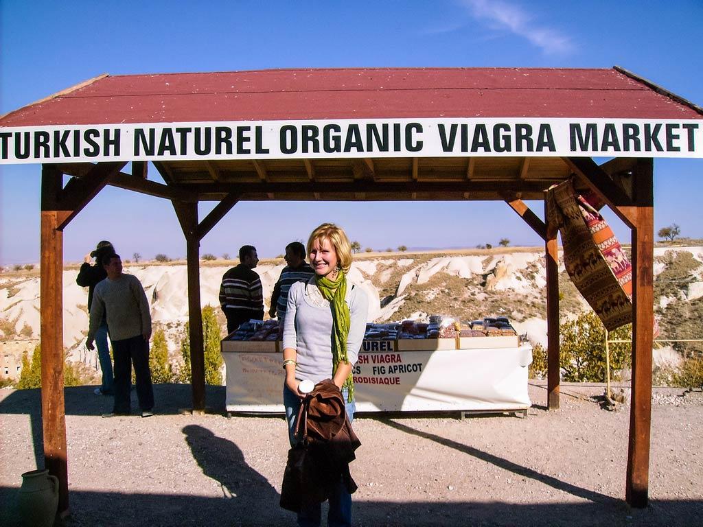 Ein Viagra Stand im Liebstal in Kappadokien