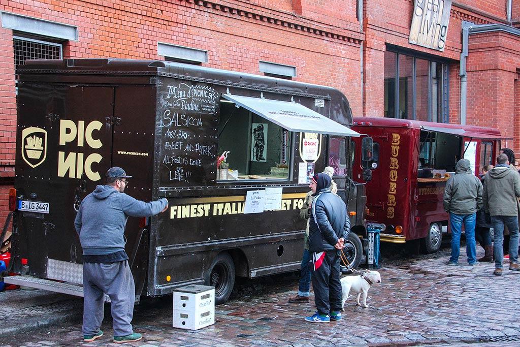 Foodtruck beim Streetfood auf Achse
