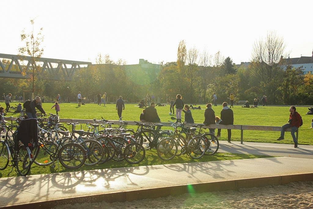Grünfläche im Gleisdreieckpark Berlin