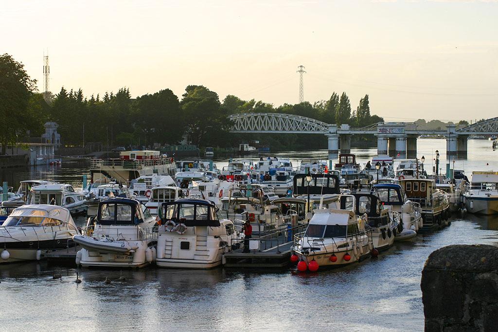 Anlegestelle für Hausboot in Athlone Irland