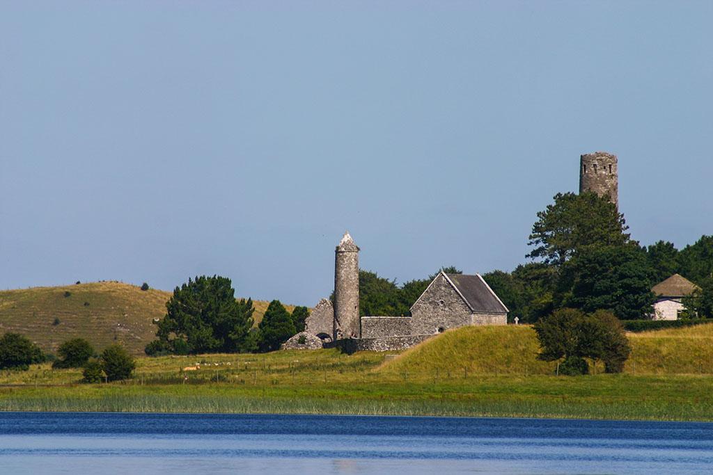 Das Kloster Clonmacnoise in Irland