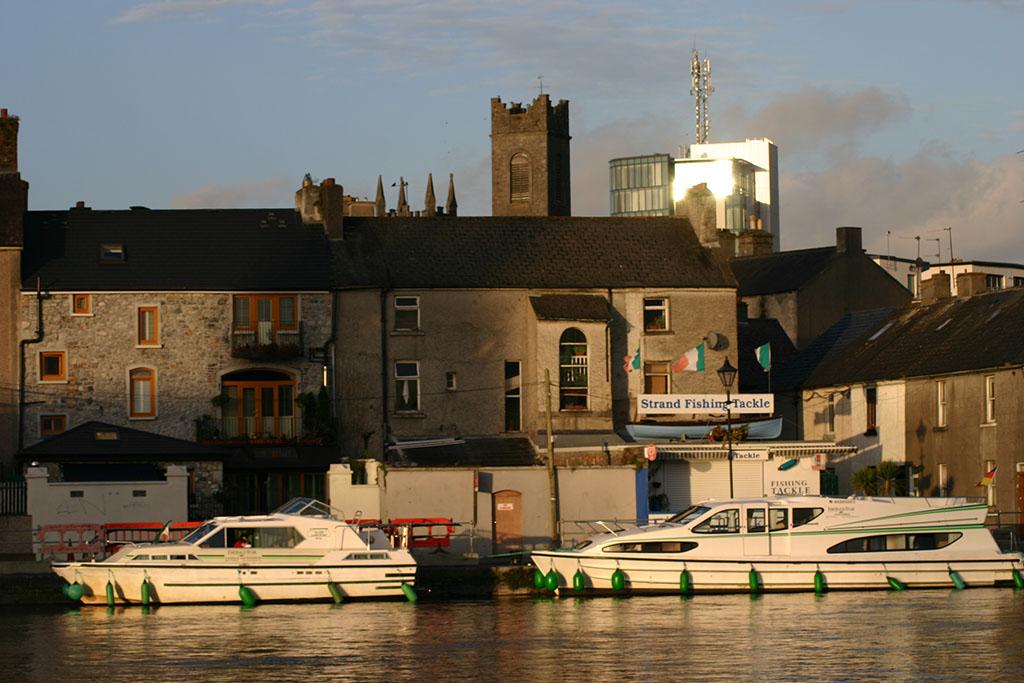 Die Hausboote im kleinen Lanesborough