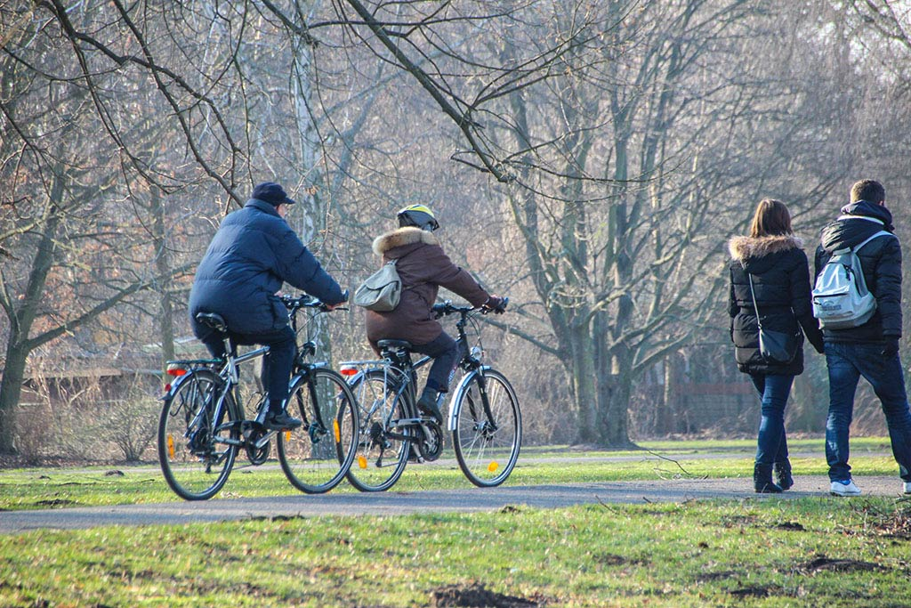 Fahrrad fahren im Treptower Park