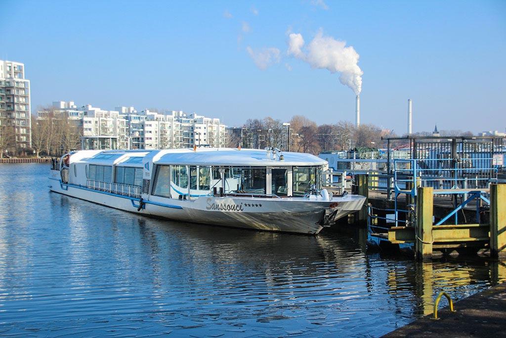 Weiße Flotte im Treptower Park