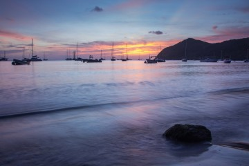 Sonnenuntergang in Deshaies auf Guadeloupe